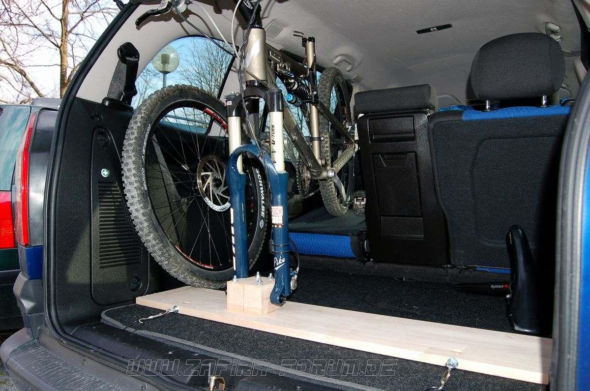 bau eines fahrradhalters f r den innenraum f r steckachsgabeln. Black Bedroom Furniture Sets. Home Design Ideas